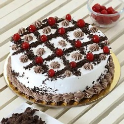 Cherry & Cream  Blackforest Cake [1kg]
